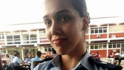 """Cadete expulsada de la policía por """"violenta y rebelde"""""""