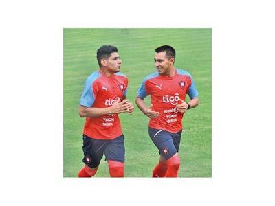 Claudio Aquino   entrena en Cerro