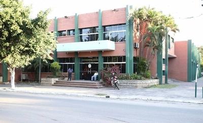 HOY / Desaparecen G. 2.765 millones de las cuentas del municipio