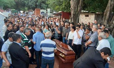 En funeral de su padre, Ulises ratifica  injusticia en su caso y agradece a la gente