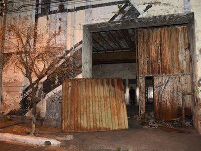 Hallan a niña indígena maniatada en depósito de Asunción