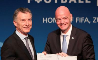 HOY / Mauricio Macri regresa al fútbol de la mano de la FIFA