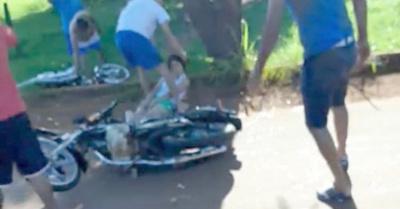 Choque entre motos deja una fallecida anga