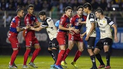Con el paraguayo Darío Monges, Dorados dio batacazo y eliminó a Guadalajara