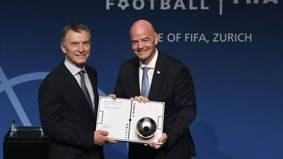 HOY / Maradona, AFA y Boca se suman a las críticas por designación de Macri en FIFA