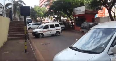 Guerra taxis vs Uber y Muv en CDE: Junta dilata definición del lío con una opción burocrática