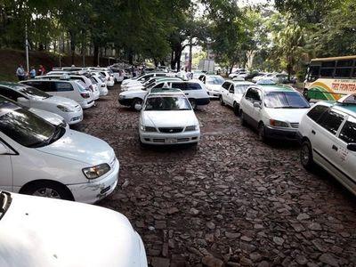 Ciudad del este: Taxistas realizan movilización en rechazo a la reglamentación de MUV y Uber
