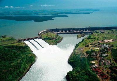Brasil baraja cuatro escenarios para negociar con el Paraguay