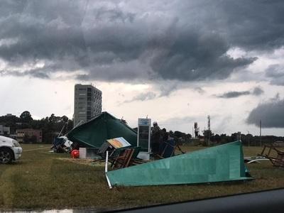 Itapúa: ANDE continúa contra trabajos de reposición de energía tras fuerte tormenta
