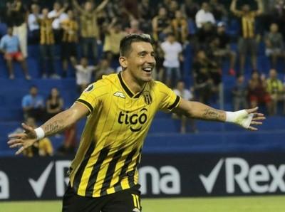 Guaraní golea y ahora espera por Corinthians