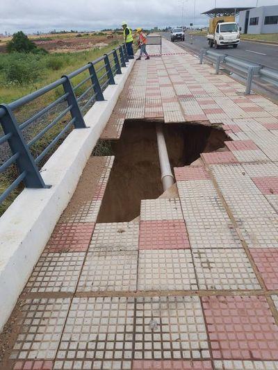 """En Costanera Norte hubo un """"deslizamiento de material de relleno"""", dice vocero del consorcio D-R"""