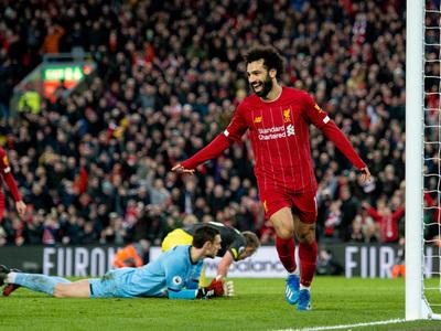 Liverpool golea en Anfield y da otro paso hacia el título
