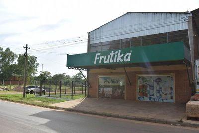 Frutika se expande y llega a la ciudad de Coronel Oviedo