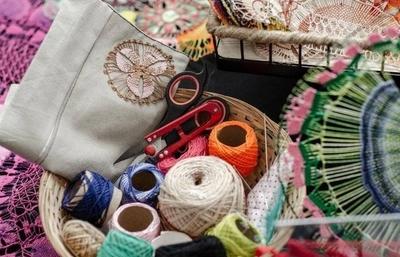 HOY / La artesanía trabaja a contrarreloj por su supervivencia