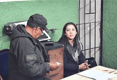 Juez dicta prisión preventiva a apoderada de Evo Morales en Bolivia