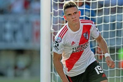 River Plate, con 10, consolida liderato