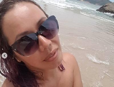 Norath Alfonzo volvió a desnudarse en una playa de Brasil
