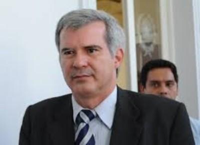 Critican al gobierno de Marito por no recordar oficialmente la caída de la dictadura stronista