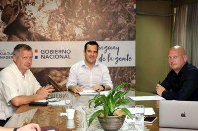 Cáñamo: Bertoni admite que Healthy Grains obtuvo autorización sin reglamento
