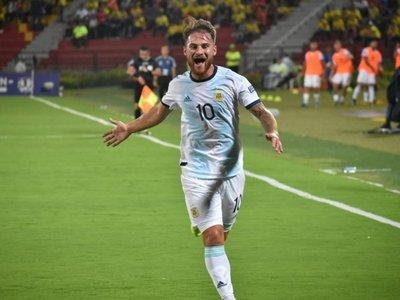 Argentina logra gran triunfo ante Uruguay; Colombia da susto a Brasil