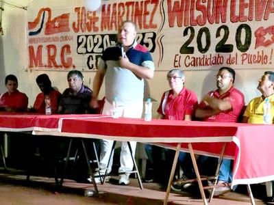 Martínez intensifica campaña electoral y critica a quienes se alían con el clan ZI