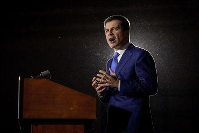 """Buttigieg insiste en su """"victoria"""" en primarias demócratas de Iowa"""