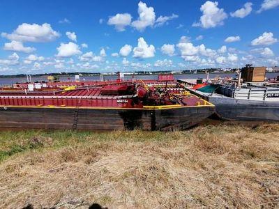 Explosión en barcaza deja un hombre muerto y otro herido