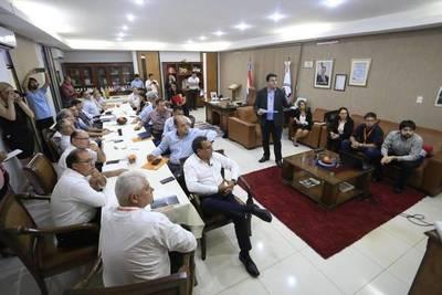 Presentan plan maestro y medidas de urgencia para recuperar cuenca del Ypacarai