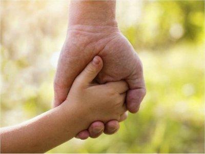Ejecutivo promulga ley que acorta proceso de adopciones