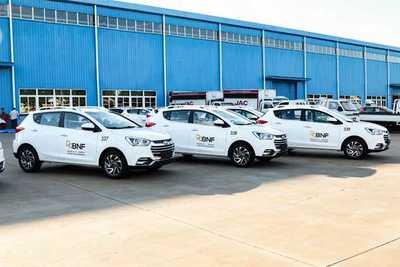 Flota de vehículos de fabricación nacional fue entregada al BNF