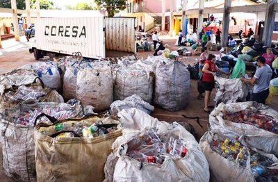 Ñemby: estudiantes promueven el reciclaje y la separación de residuos