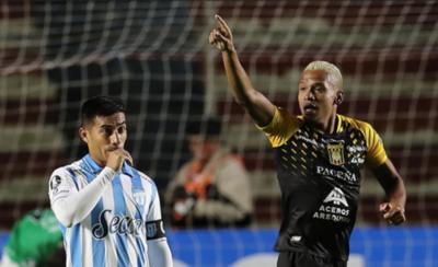 HOY / The Strongest vence al Atlético Tucumán de la mano de Reinoso y Willie