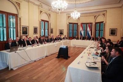 HOY / Itaipú, causa nacional: equipo negociador está abultado de miembros del Ejecutivo