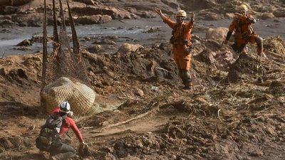 Bolsonaro firmó un proyecto de ley que abre las tierras indígenas a la minería