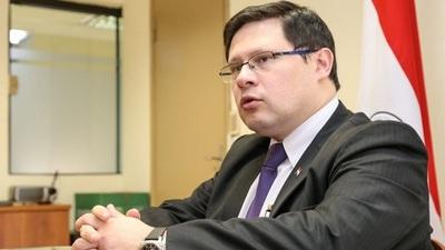 Viceministro anuncia investigación sobre posible evasión en caso cigarrillos incautados