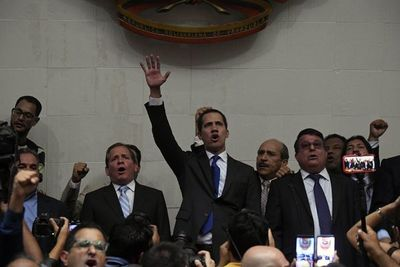 Guaidó debe regresar de manera segura advierte EEUU