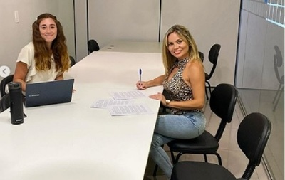 Dahiana Bresanovich firmó contrato para continuar en Latele