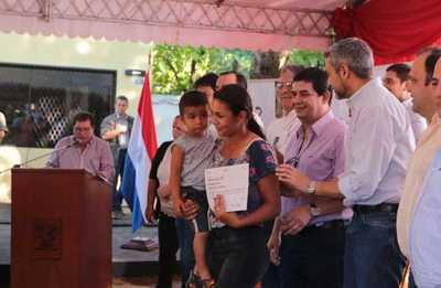 Suman nuevas familias a Tekoporã y habilitan oficina del Fondo Ganadero en Oviedo