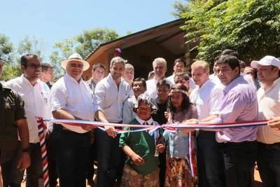 Presidente inauguró 136 viviendas sociales en Caaguazú