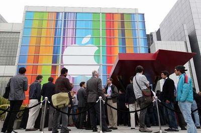 Apple multado en Francia por no informar que actualizaciones enlentecen algunos iPhones