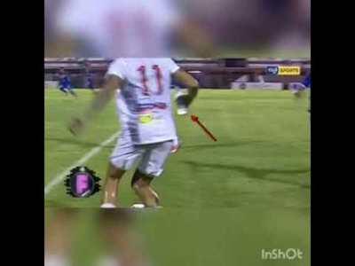 Con botella en mano, Prieto hizo un caño