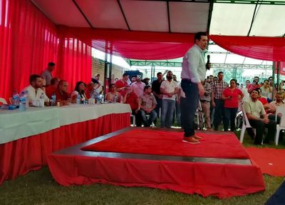 Cartes se reúne con líderes de Itapúa para la unidad colorada