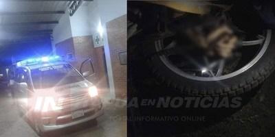 CAYÓ DE SU BICICLO Y SU MANO QUEDÓ ENTRE LAS RUEDAS CON EL ACELERADOR EN MARCHA