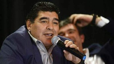 """Maradona se burla de Brasil: """"Decime qué se siete"""""""