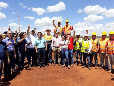 Inician obras viales en Puerto Irala y Santa Rosa del Monday