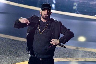 """Eminem actúa por sorpresa en los Óscar con la canción de la película """"8 Mile"""""""