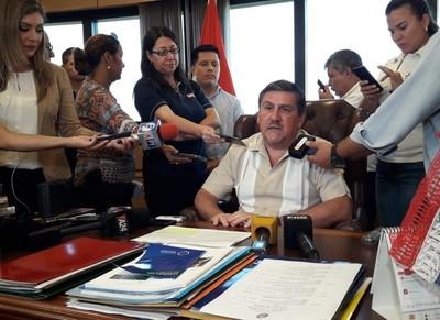 Blas Llano anuncia que apoyará la ley de financiamiento político porque vio 'Joker'