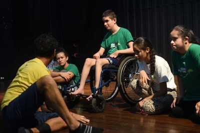 """Concluyó residencia artística de Alas Abiertas con el lema """"Discapacidad y Medioambiente"""""""