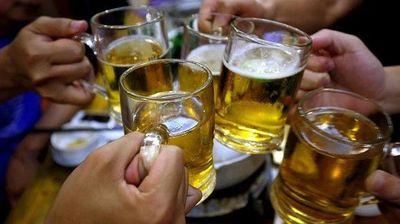 Dengue: hay que esperar un mes para tomar bebidas alcohólicas