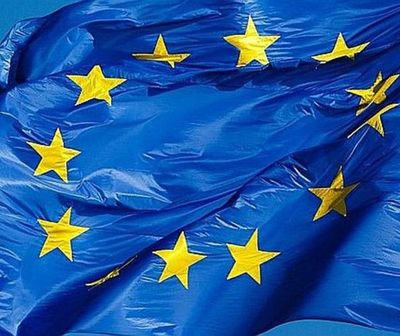 La Unión Europea lamenta errores en libros del (MEC) y lanza advertencia